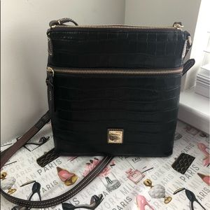 🆕 Dooney & bourke crossbody bag